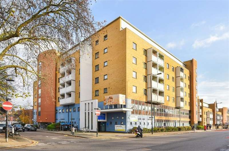 1 Bedroom Flat for sale in Turners Court, 168 Cornwall Road, London