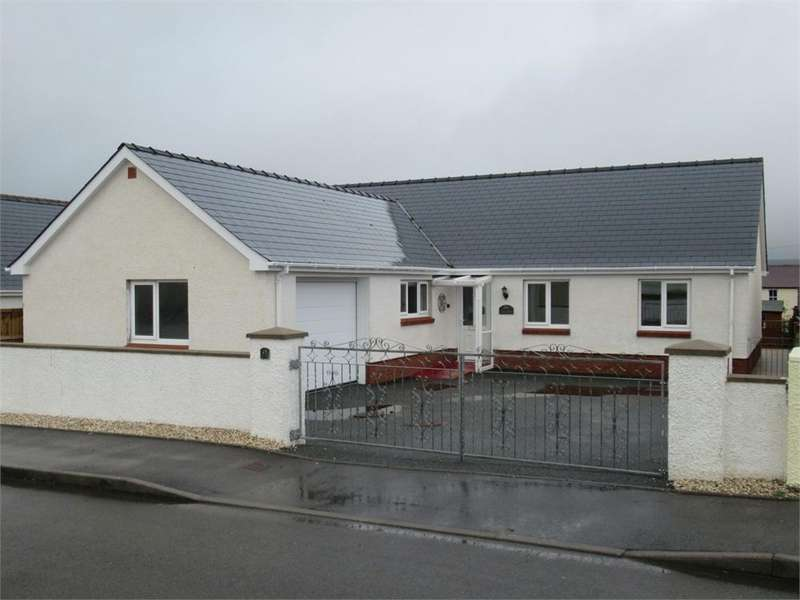 3 Bedrooms Detached Bungalow for sale in 9 Parc Yr Eos, Hermon, Glogue, Pembrokeshire