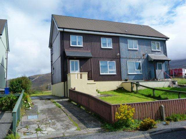 3 Bedrooms Semi-detached Villa House for sale in 4 Dunmore Crescent, Leverburgh, Isle of Harris HS5