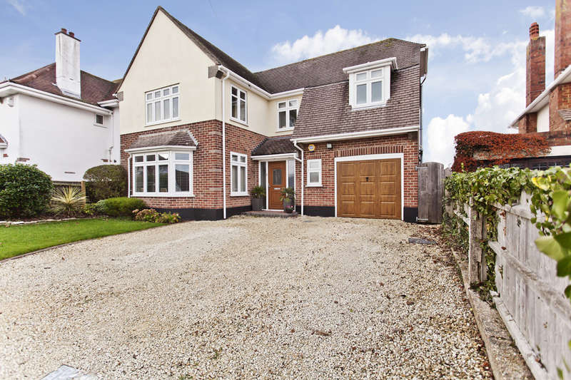 4 Bedrooms Detached House for sale in Durrington Road