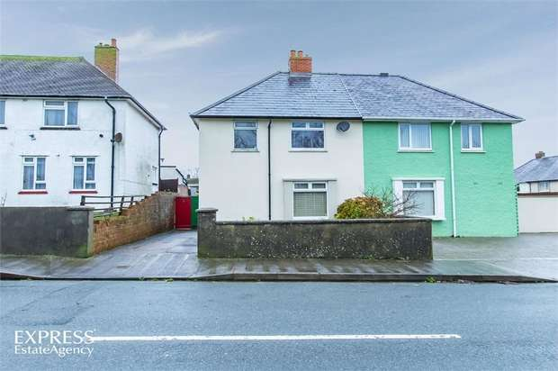 3 Bedrooms Semi Detached House for sale in St Johns Road, Pembroke Dock, Pembrokeshire