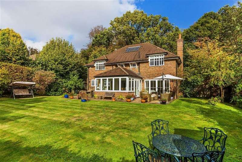 4 Bedrooms Detached House for sale in Farnham Lane, Haslemere, Surrey, GU27
