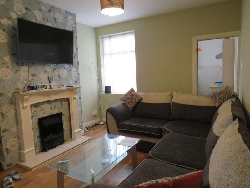 2 Bedrooms Terraced House for sale in Vernon Road, Leicester, LE2 8GF