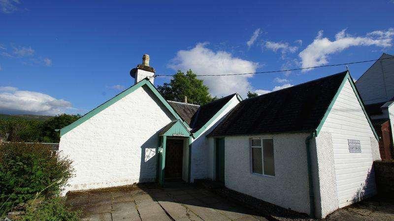3 Bedrooms Bungalow for sale in Craignavie Road, Killin