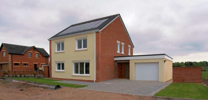 3 Bedrooms Detached House for sale in 99 The Hawthorns, Gretna