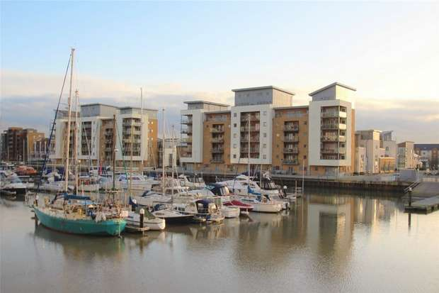 2 Bedrooms Flat for sale in Mizzen Court, Portishead, Bristol