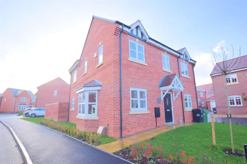 4 Bedrooms Detached House for sale in Burnham Road, Wythall, Birmingham, B47 6AT
