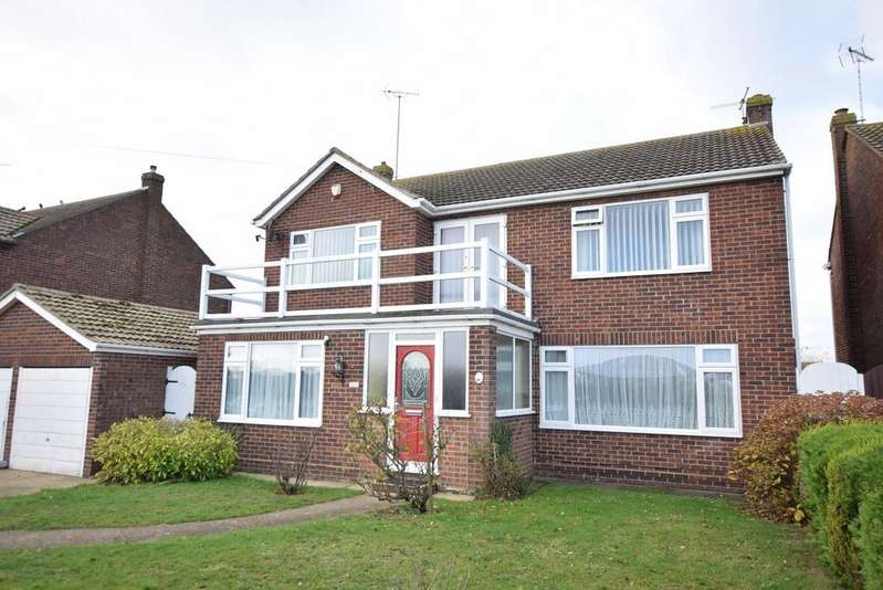 4 Bedrooms Detached House for sale in Richmond Drive, West Clacton, Clacton-on-Sea