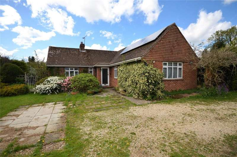 2 Bedrooms Bungalow for sale in Long Lane, Tilehurst, Reading, Berkshire, RG31