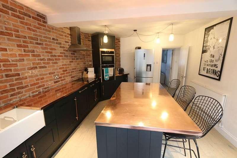 3 Bedrooms Semi Detached House for sale in Portnall Cottages, London Road, Sunningdale, Ascot, Berkshire, SL5 0LA