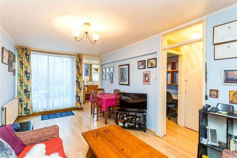 2 Bedrooms Flat for sale in Bute Walk, London, N1