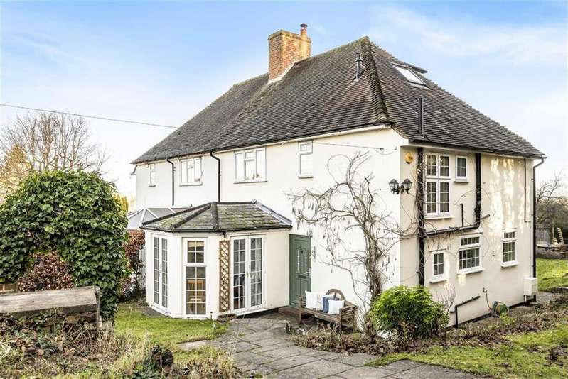 4 Bedrooms Semi Detached House for sale in The Crossways, Guildford, Surrey, GU2