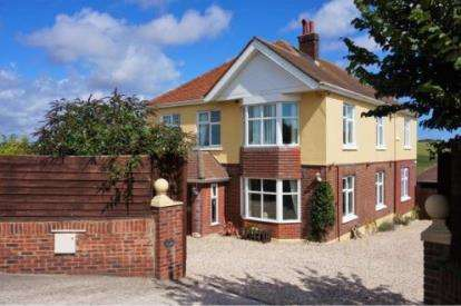 5 Bedrooms Detached House for sale in Weymouth, .
