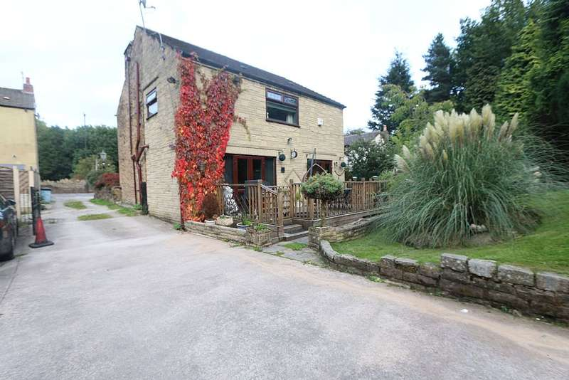 4 Bedrooms Detached House for sale in Dinting Vale, Glossop, Derbyshire, SK13 6NY