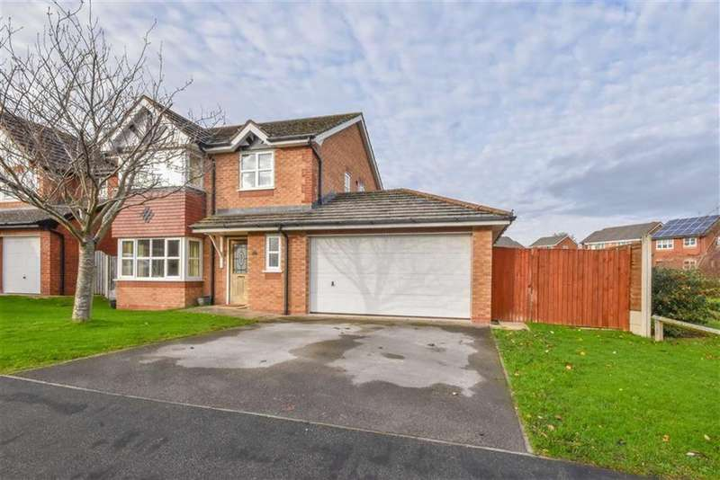 4 Bedrooms Detached House for sale in Y Maes, Denbigh, Denbigh
