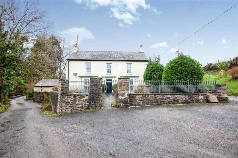 4 Bedrooms Detached House for sale in Old School Road, Llansteffan