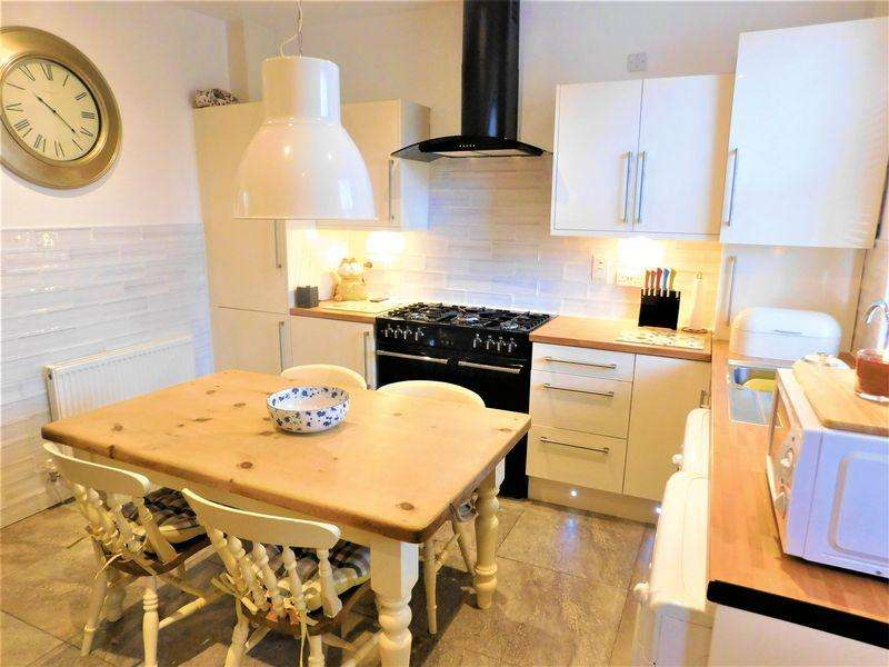 2 Bedrooms End Of Terrace House for sale in Ashton Road, Woodhouses, Manchester