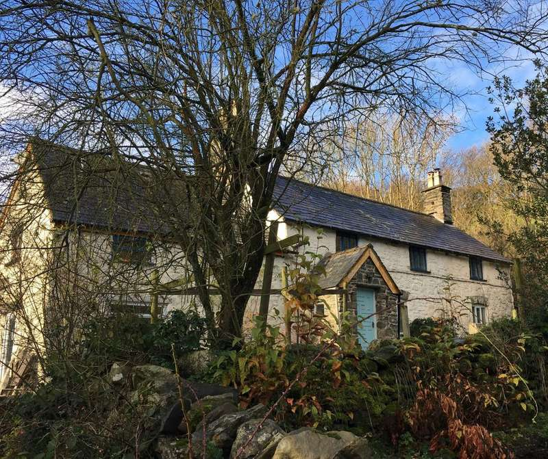4 Bedrooms Detached House for sale in Cyffylliog DENBIGHSHIRE