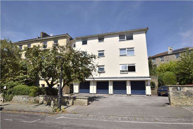 3 Bedrooms Flat for sale in Archfield Road, Cotham, Bristol, BS6 6BD