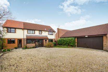 5 Bedrooms Detached House for sale in Charfield Road, Kingswood, Wotton-Under-Edge, Gloucestershire