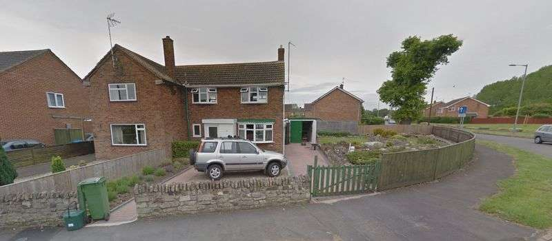 3 Bedrooms Property for sale in Meadowcroft, Aylesbury *HOUSE AND LAND WITH PLANNING PERMISSION*
