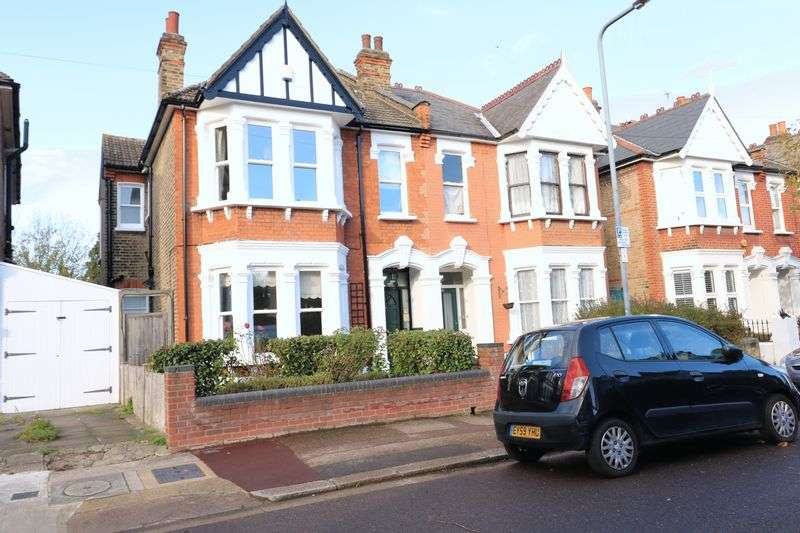 4 Bedrooms Property for sale in St. Margarets Road, London