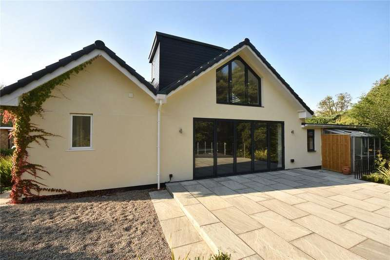 4 Bedrooms Detached House for sale in The Dell, Bardsey, LS17