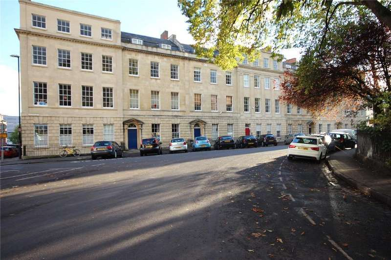 2 Bedrooms Apartment Flat for sale in Portland Mansions, 11-12 Portland Square, Bristol, BS2