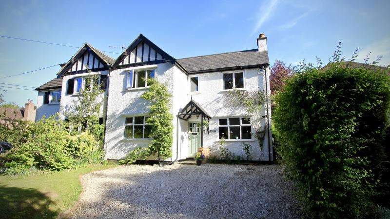 5 Bedrooms Semi Detached House for sale in Nags Head Lane, Great Missenden HP16