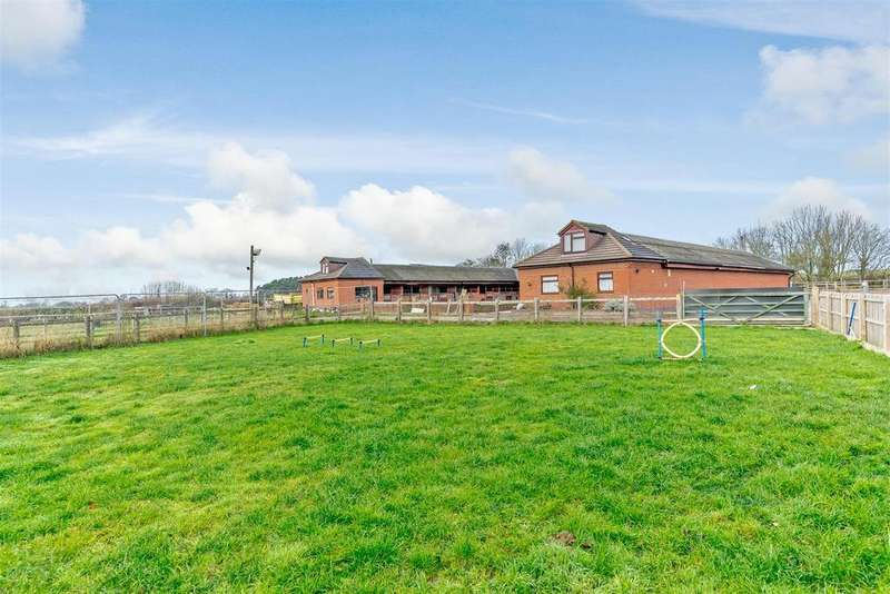 4 Bedrooms Equestrian Facility Character Property for sale in Austrey Lane, No Mans Heath, Tamworth