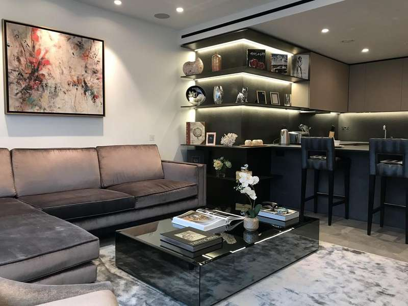 2 Bedrooms Apartment Flat for sale in Buckingham Palace Road, London, SW1W