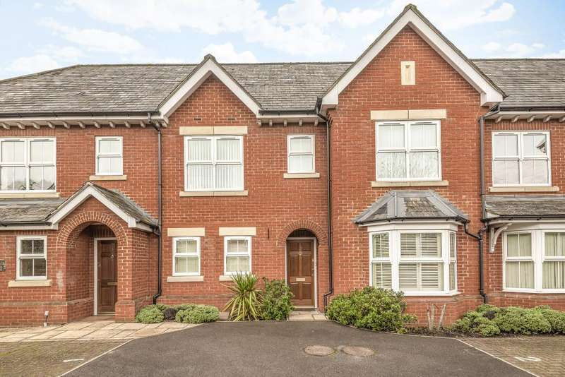 2 Bedrooms Flat for sale in Lime Tree Court, Thatcham, RG18