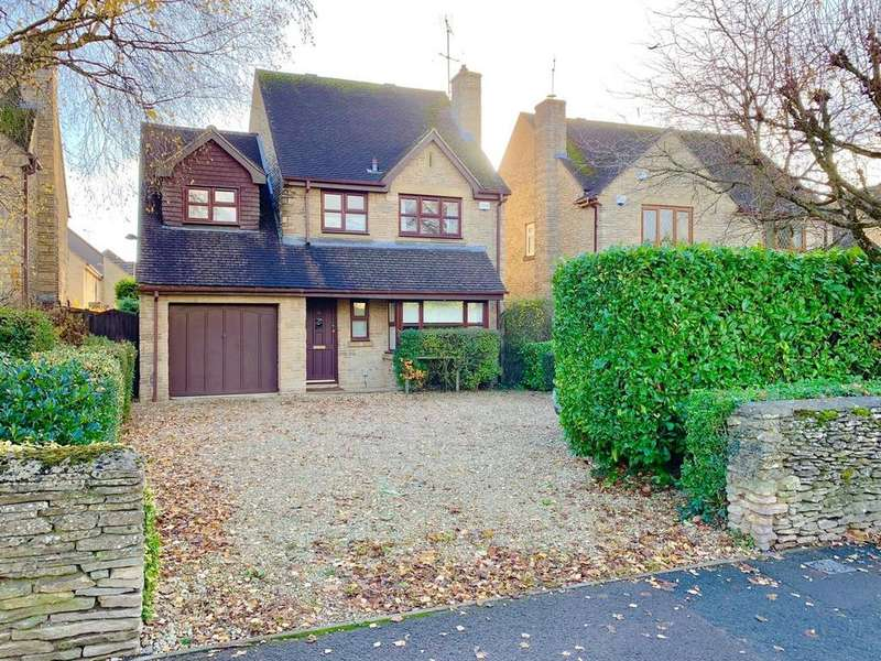 4 Bedrooms Detached House for sale in Four Acre View, Cirencester