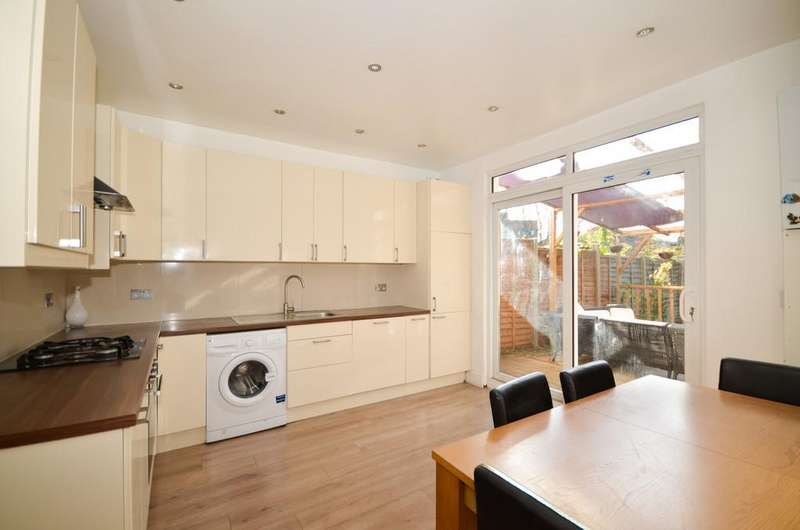 3 Bedrooms Semi Detached House for sale in Arnos Grove