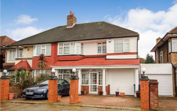 5 Bedrooms Semi Detached House for sale in Thorncliffe Road, southall , Middlesex, UB2