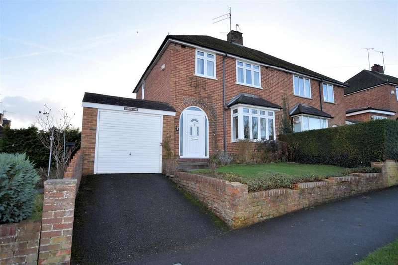 3 Bedrooms Semi Detached House for sale in Links Drive, Tilehurst, Reading