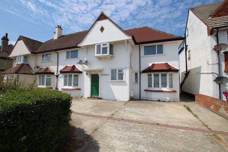 4 Bedrooms Semi Detached House for sale in Princes Esplanade, Walton On The Naze