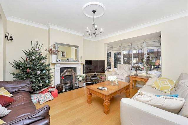 4 Bedrooms Semi Detached House for sale in Abbotswell Road, Brockley
