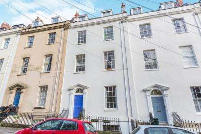 2 Bedrooms Flat for sale in Bellevue, Clifton, Bristol