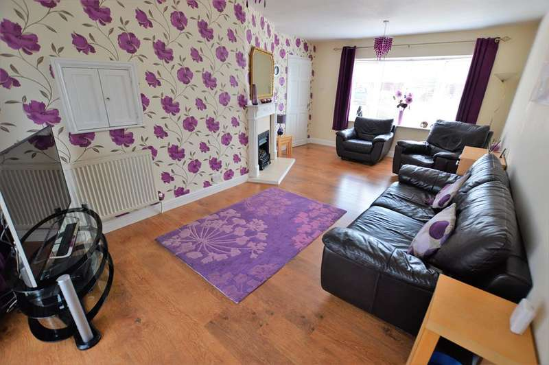 5 Bedrooms Semi Detached House for sale in Lincoln Drive, Wigston, LE18 4XU