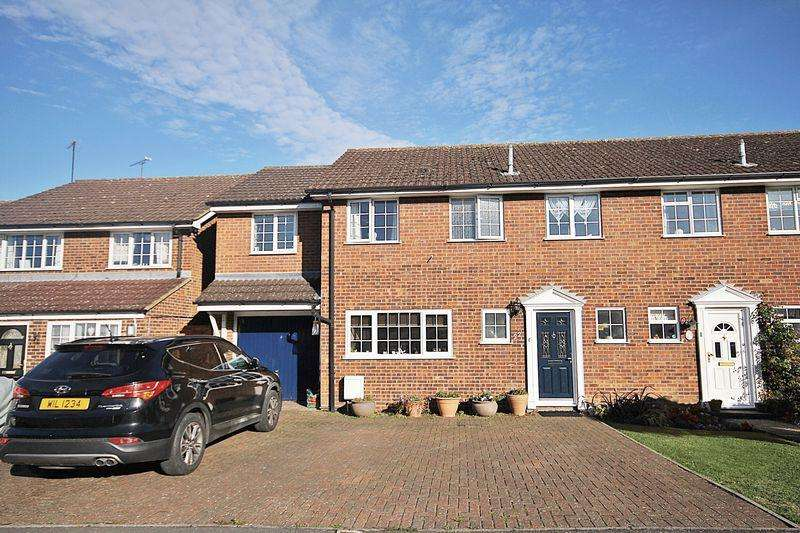 4 Bedrooms Semi Detached House for sale in Campion Road, Westoning