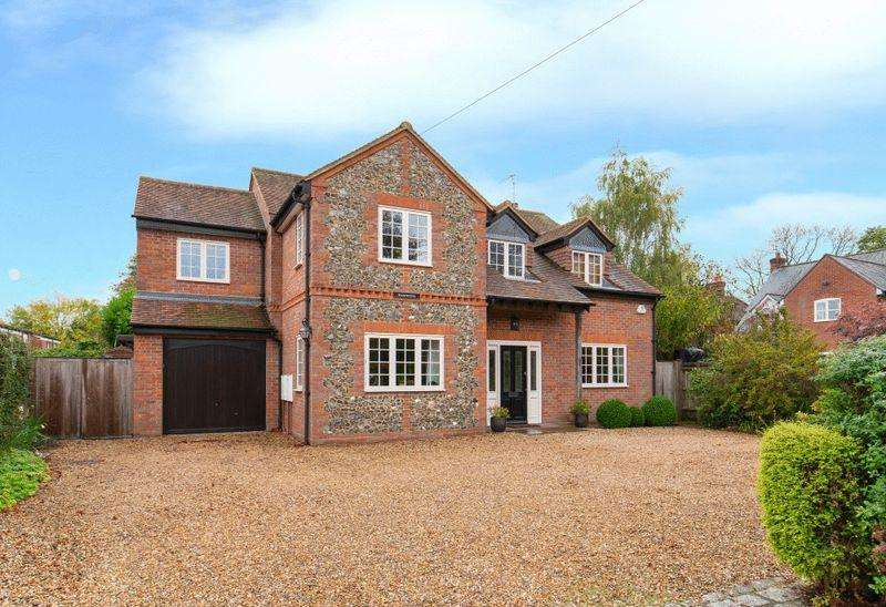 4 Bedrooms Detached House for sale in Greenwood, Walter's Ash