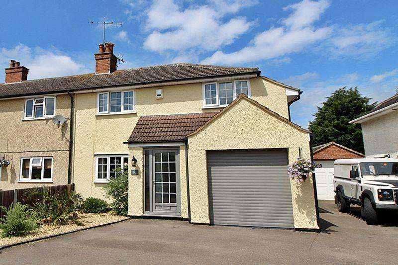 5 Bedrooms Semi Detached House for sale in Sizeable Family Home in Sought After Village