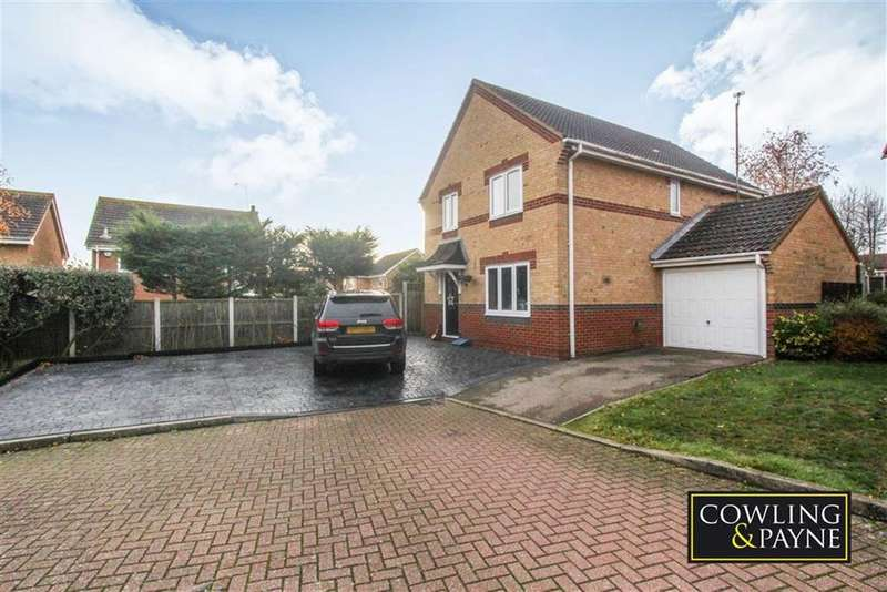 4 Bedrooms Detached House for sale in Lennox Drive, Wickford, Essex