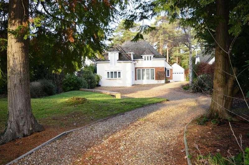 5 Bedrooms Detached House for sale in Dunyeats Road, Broadstone, Dorset