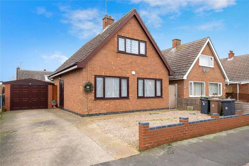 3 Bedrooms Detached House for sale in St Marys Drive, Sleaford, Lincolnshire, NG34