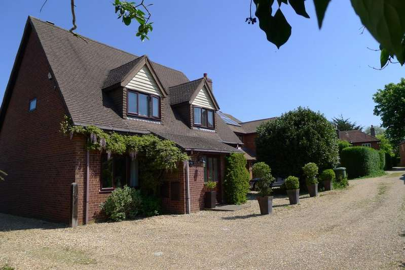 4 Bedrooms Detached House for sale in CATISFIELD LANE, CATISFIELD