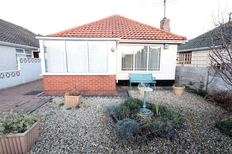 3 Bedrooms Detached Bungalow for sale in Viola Avenue, Rhyl