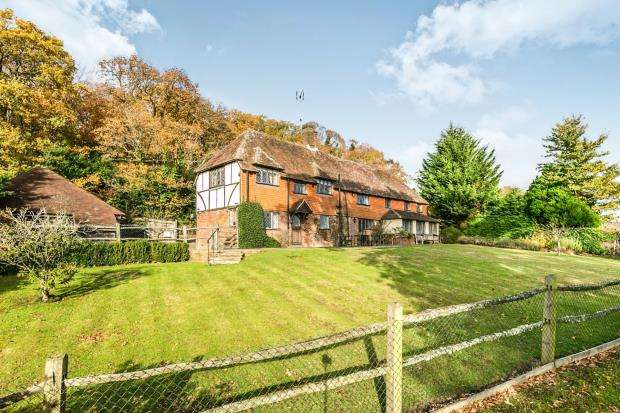 4 Bedrooms Detached House for sale in Brook, Godalming, Surrey