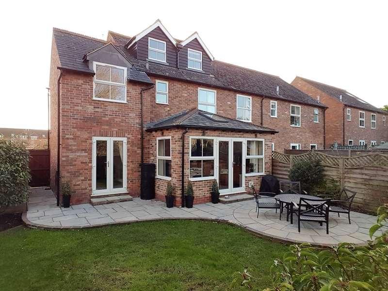 4 Bedrooms Semi Detached House for sale in Hurdlers Green, Watlington